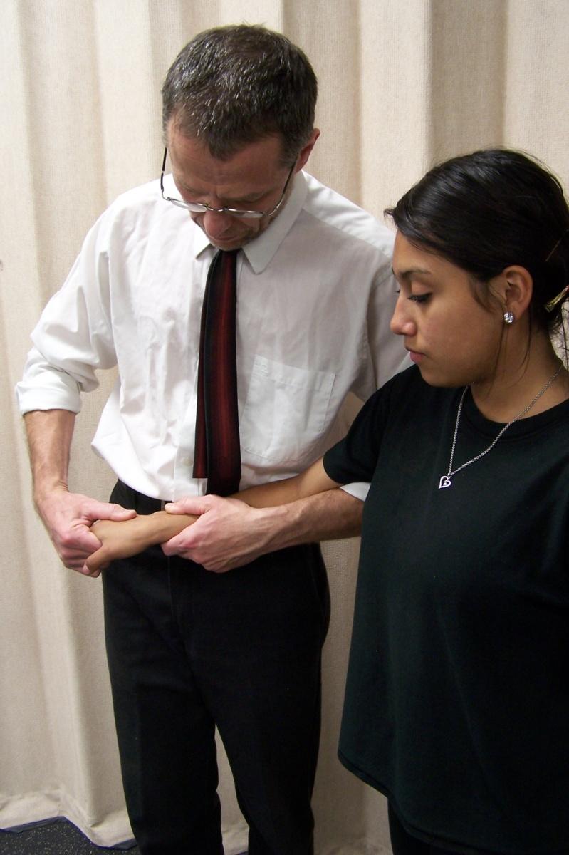 International Academy of Orthopedic Medicine – United States (Modèle Cyriax) – Examen Clinique, Diagnostic Différentiel et Mobilisations, Manipulations et Management du poignet et de la main